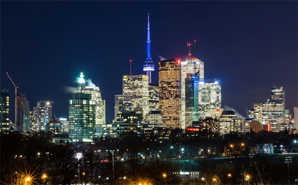 Toronto stays mostly bright for earth hour 2015 for Pool show toronto 2015