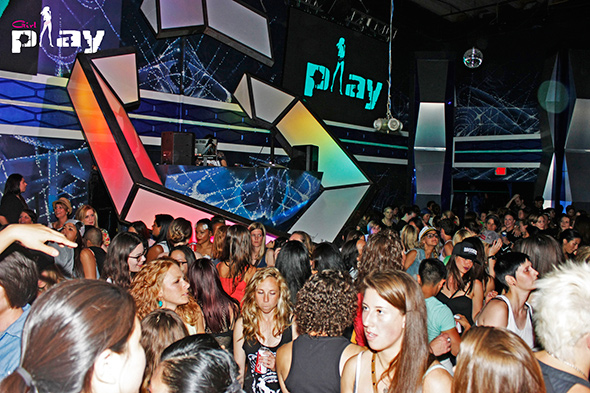 Pride parties in toronto by day of the week for 2015 for Pool show toronto 2015