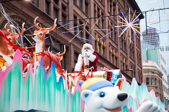 santa claus parade road closures