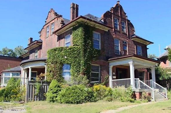 130-year-old Toronto home listed for sale for $1