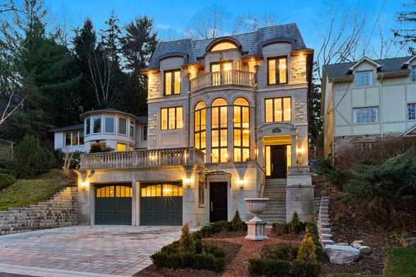 luxury homes toronto