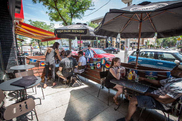 The Sidewalk Patio At Yellow Griffin Pub Is Pretty Bare Bones, Sporting  Only A Few Tables, Branded Umbrellas And Little Else. However, If Youu0027re In  The ...