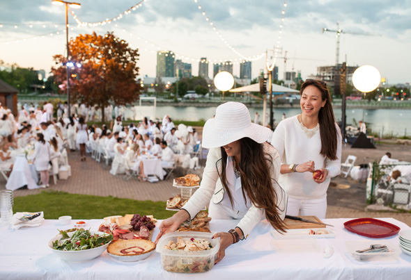 All white Dinner Party Returns To Toronto This Summer