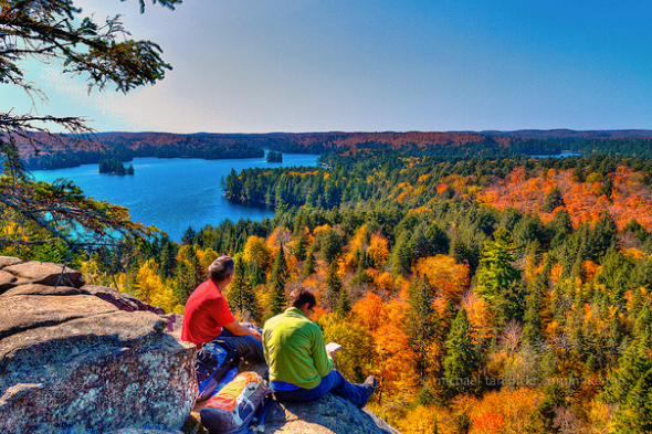 The top 10 fall getaways from toronto for Best fall destinations in the us