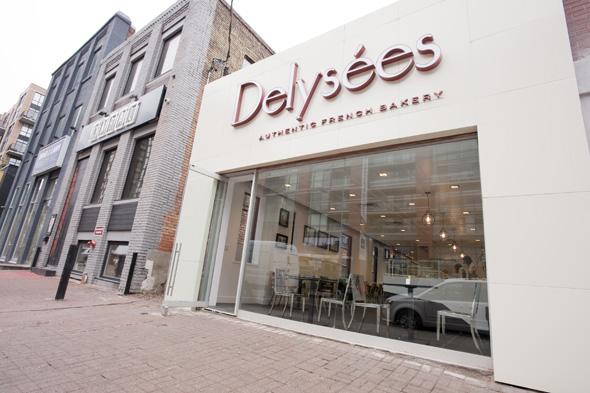 Delysees Bakery