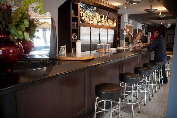 20120202-monarchtavernespresso-07.jpg