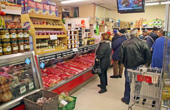 Cataldi Meat Counter