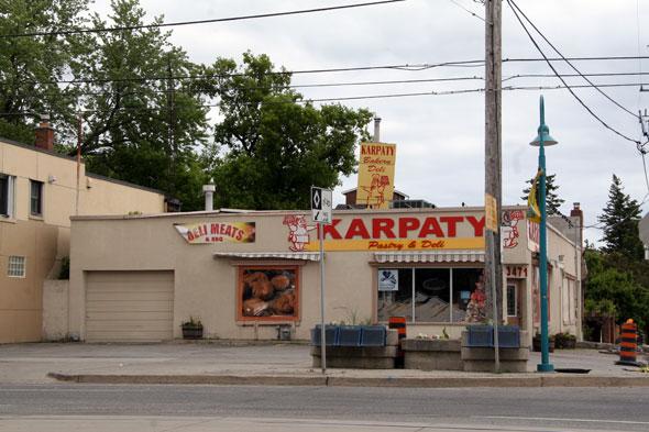 Karpaty Lakeshore Toronto