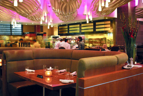 Glow Restaurant Toronto Reviews