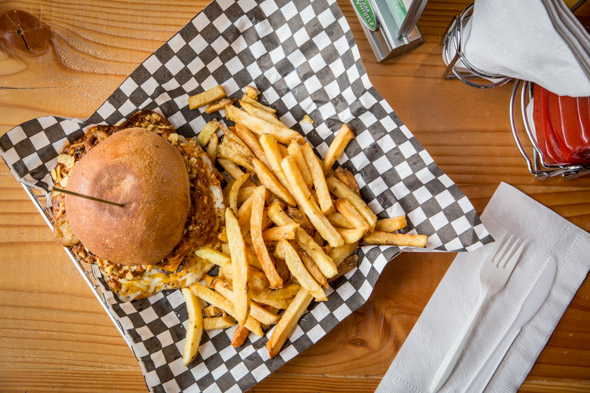 hole e burger toronto