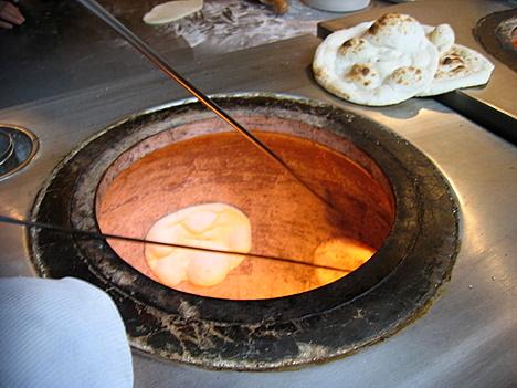 20070501_cookingnaan.jpg