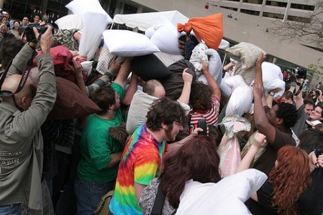 Newmindspace Toronto Pillow Fight 2007