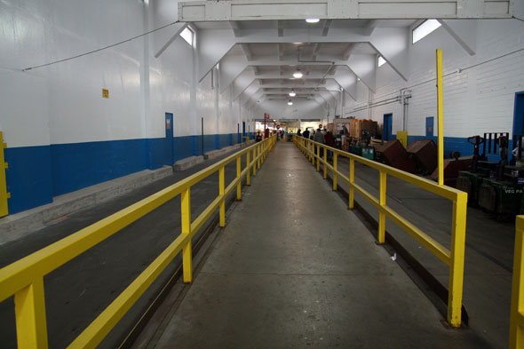 20071006_hallway.jpg