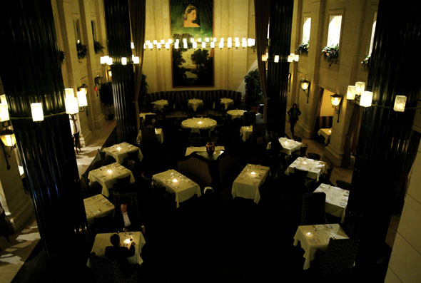 The large dining room at The Windsor Arms Hotel