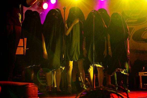 The Hidden Cameras, choir