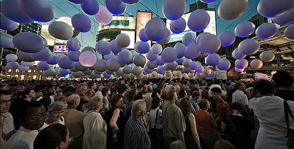 Luminato: Telus' Light On Your Feet