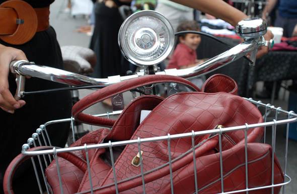 20080906-rachelbike.jpg