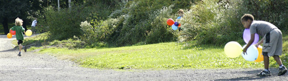 MP3 Experiment in Toronto aftermath leaves kids chasing balloons