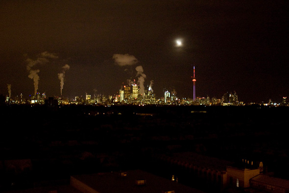 Toronto's West End darkened by a mass power outtage