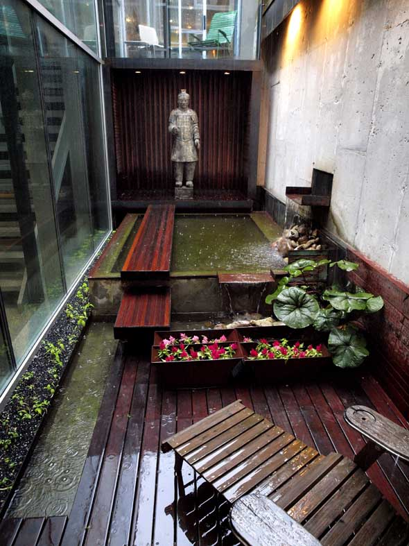 Fountain in interior courtyard of Pachter House