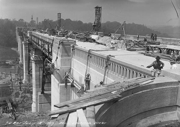Bloor Viaduct construction