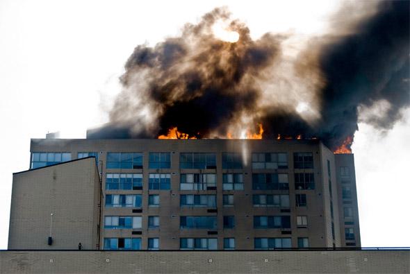 20100429_condo-fire-04.jpg