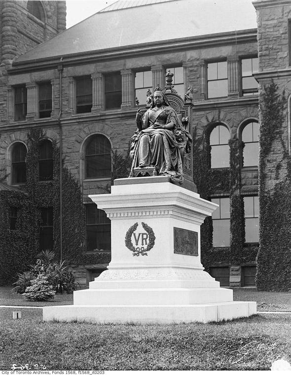 Queen Victoria statue toronto