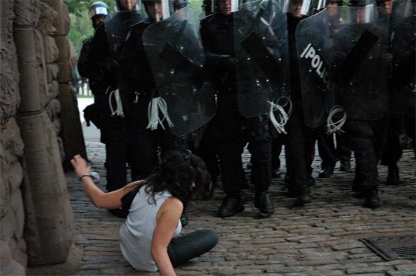 G20 protests at Queens P