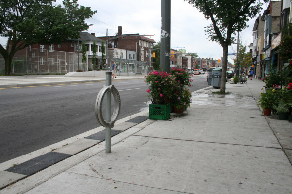 Lack of bicycle locks along St Clair