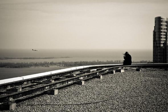 20100924-rooftopping_portraitplane.jpg