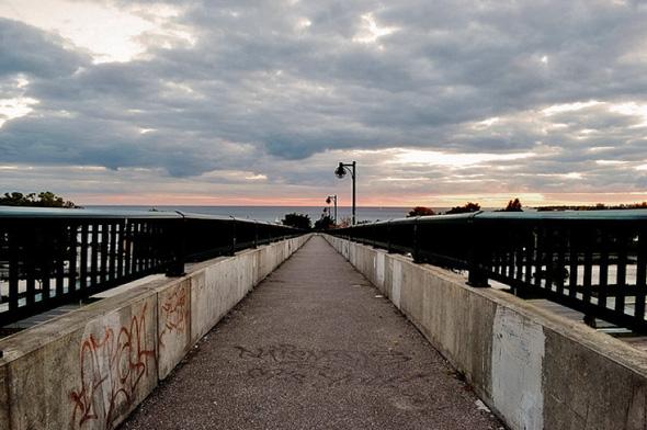 Parkdale pedestrian bridge