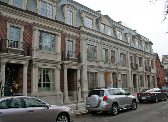 Wengle Townhouses in Yorkville