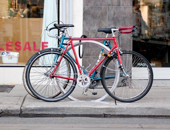 OCAD bike stand Queen Street