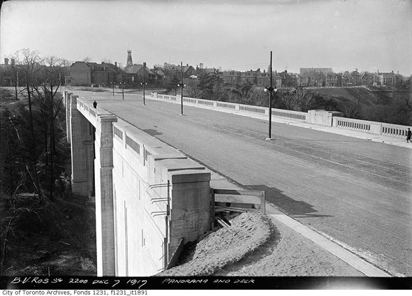 Prince Edward Viaduct, Bloor Street Viaduct, Don Valley, Riverdale, Toronto, history, 1915-1919