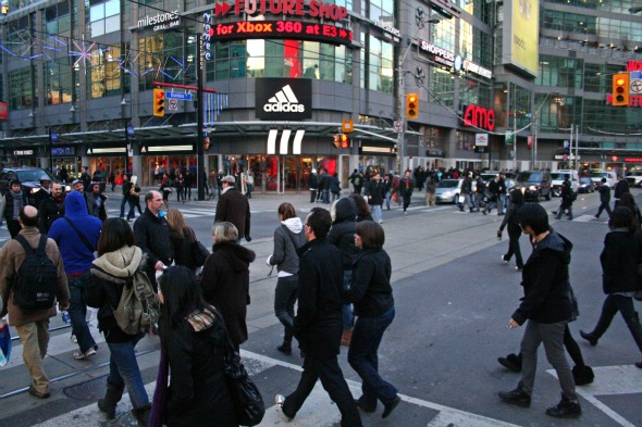 20101203 - Colours Dundas Square.jpg
