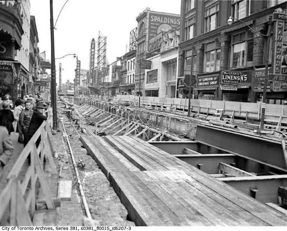 20101214-YONGE1949_Toronto_YongeSubwayConstruction3.jpg