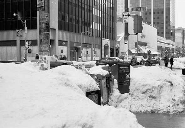 20101229-blizzard1999Newspaperboxes.jpg