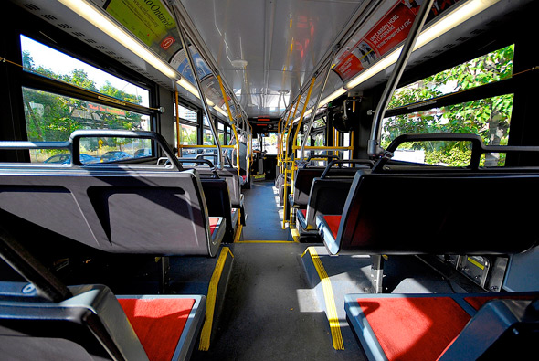 20110107-bus_interior_lamb.jpg