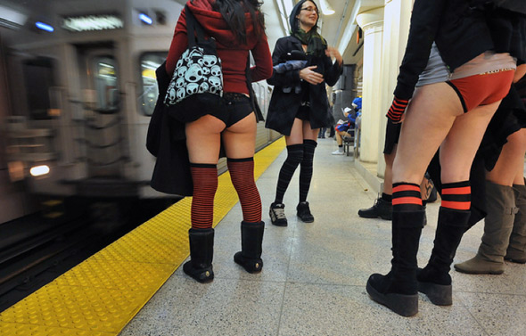 20110110-no_pants_chan_train.jpg