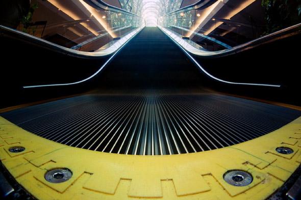 2011125-fisheye_escalator.jpg