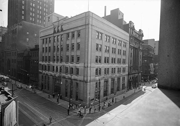 20101214-Imperial_Bank_of_Canada_Building1945.jpg