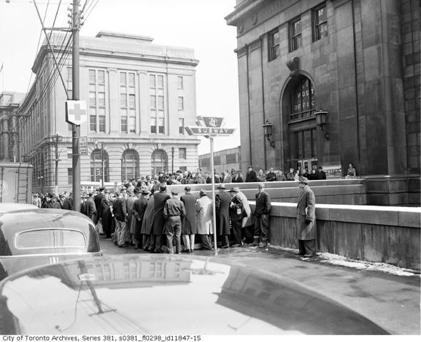 Toronto, Toronto Transit Commission, Toronto subway,Toronto subway opening, TTC, history, 1954