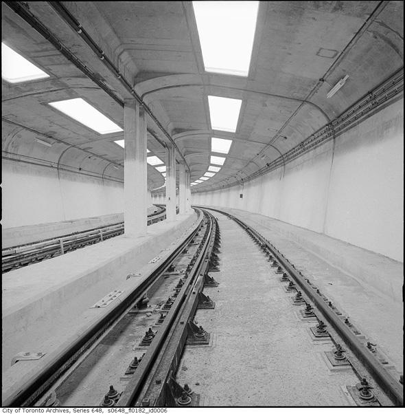 2011318-Castle-Frank-station-0648_fl0182_id0006.jpg