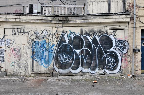 2011320-1030Queen.jpg