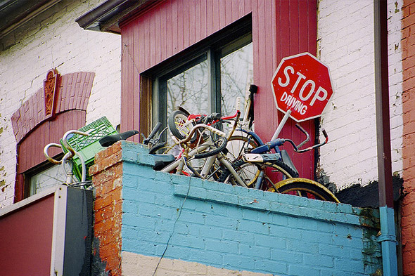 2011323-sign-stop-driving.jpg