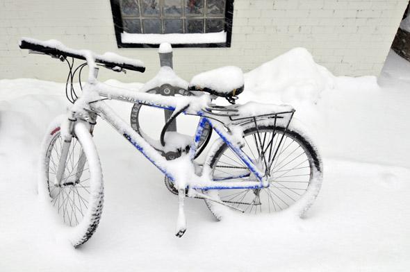 2011323-snow-bike.jpg