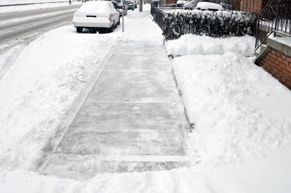 2011323-snow-sodewalk.jpg