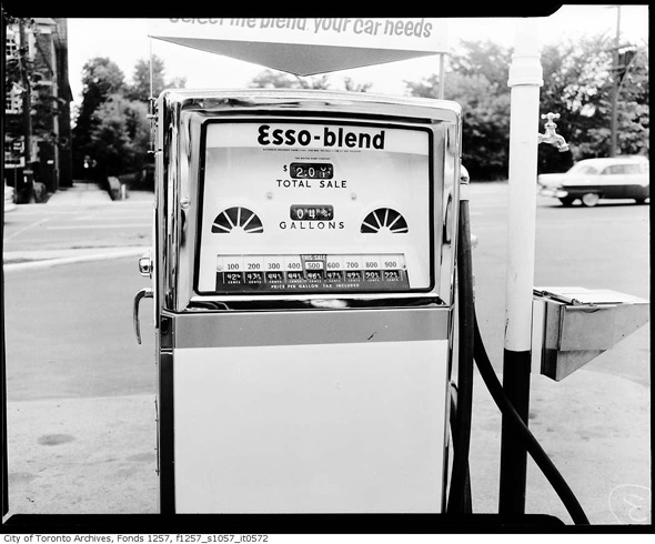 2011326-Gas-Esso-Prices-1960s.jpg