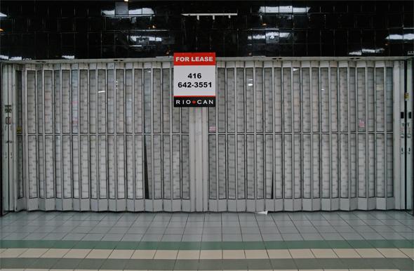 2011510-lp-empty.jpg