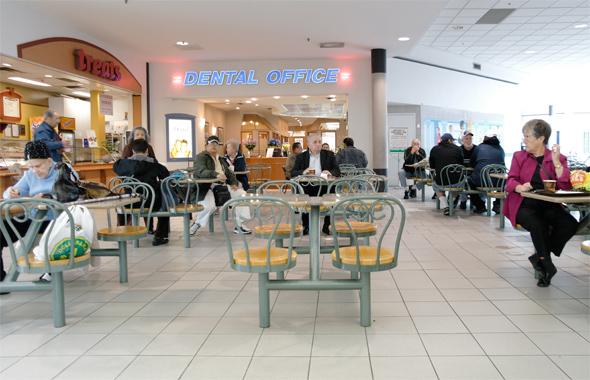 2011510-parkway-food-court.jpg